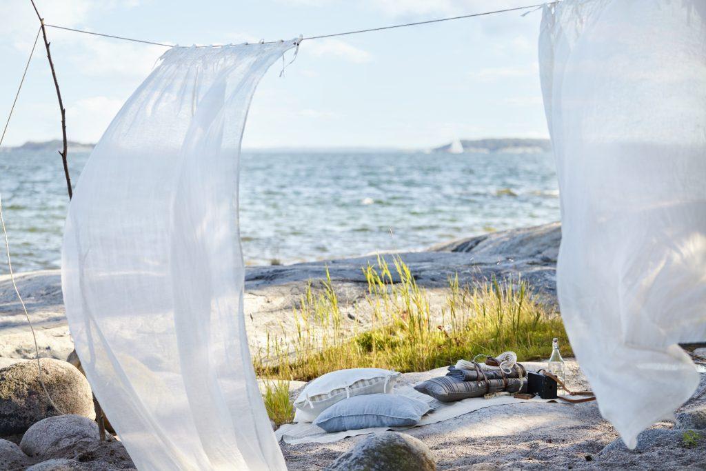 Piknik med utsikt ved sjøen