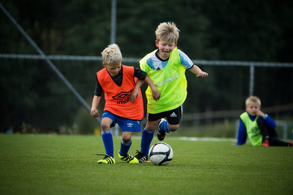 Fotballgutter
